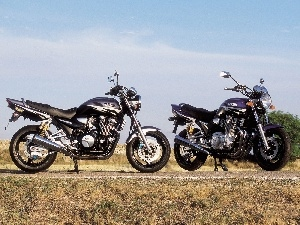 Central, Yamaha XJR1300, footer